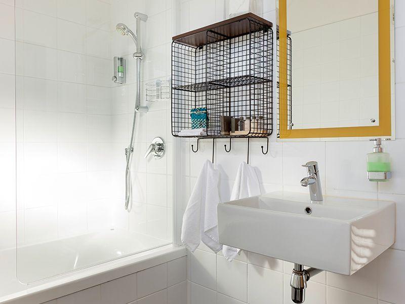 Studio spa unit stylish bathroom